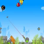 Zöld malac fegyveres támadása Angry Birds játék